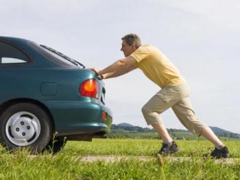 ¿Cómo actuar si tu coche se queda sin batería?